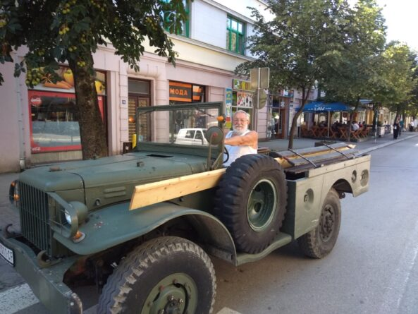"Необични ""теренац"" у Бајиној Башти – ЧЕДИН ""ДОЏ"" ОД 80 ЛЕТА"