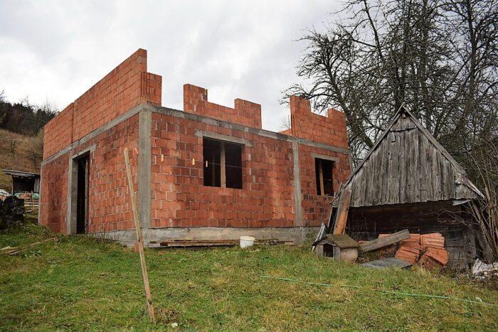 Недовршена кућа Матића. Стиже помоћ да је заврше