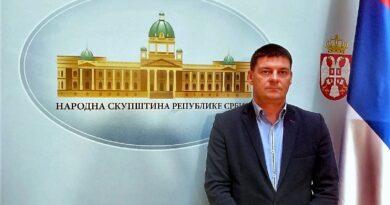 Народни посланик Младен Лукић