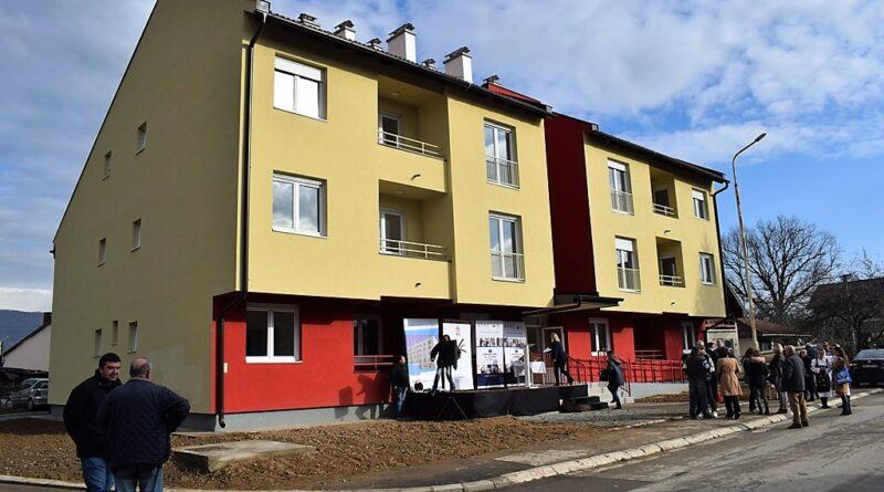 Стамбена зграда за избелице у Бајиној Башти са 20 станова