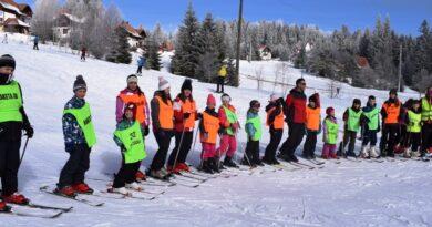 Napredna grupa skijasa