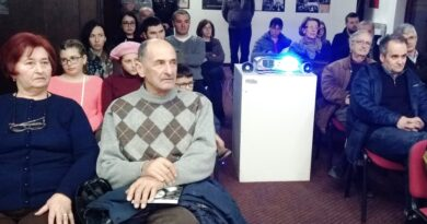 """Књижевно вече у галерији Установе """"Култура"""""""