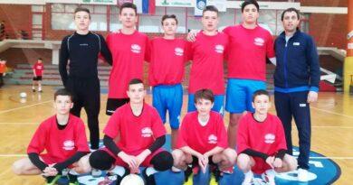 Ekipa OS Rajak Pavicevic sa trenerom Draganom Radovanovicem