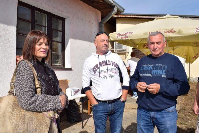 Predsednica opstine sa Radomirom Gavrilovicem i Veliborom Rogicem u Pilici (3)
