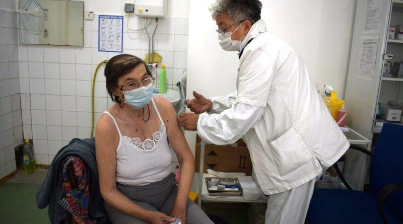 Вакцинисање у Рогачици