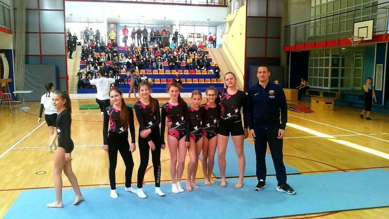 Гимнастичарска екипа ОШ Свети Сава