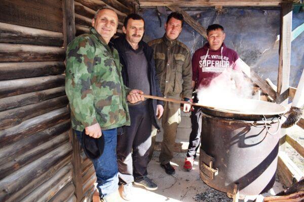 Kuvarska ekipa lovaca