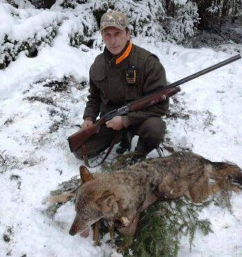 Milomir Baratovic sa dostreljenom vucicom