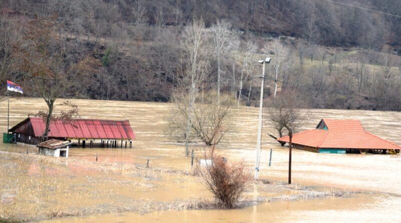 Угоститељски објекти у Рогачици под водом