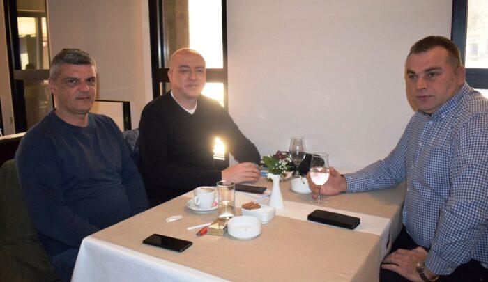 Председник Слоге на договору са челним људима Хотела Цептер Дрина
