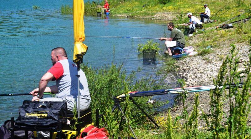 Риболовци уживали на језеру Заовине