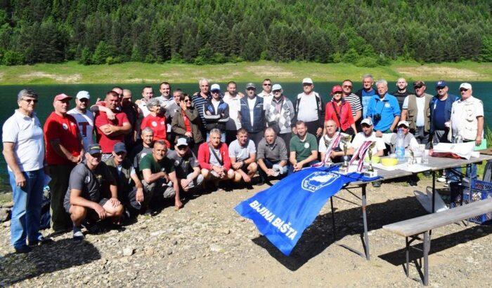 Учесници риболовачког КУП-а Бајине Баште