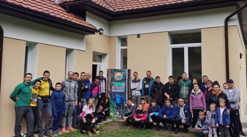 Учесници друге радионице Основне планинарске обуке у Планинарском дому у Растишту